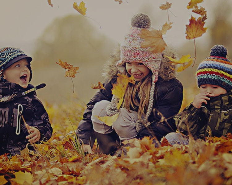 selfie-kids-autumn-min